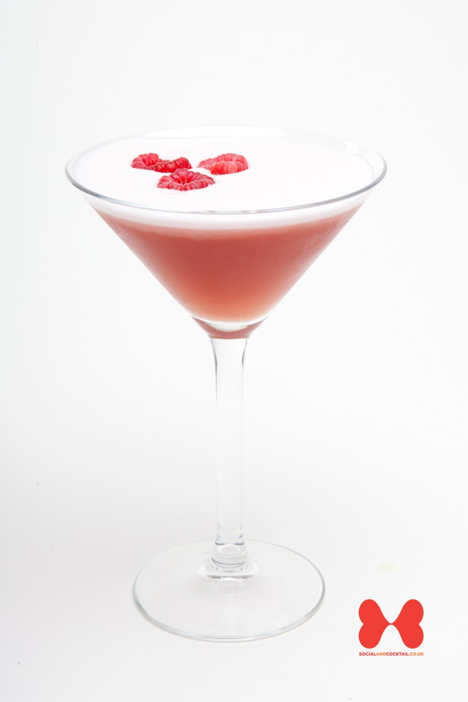 French martini cocktail recipes raspberry liqueur cocktails for Cocktail martini