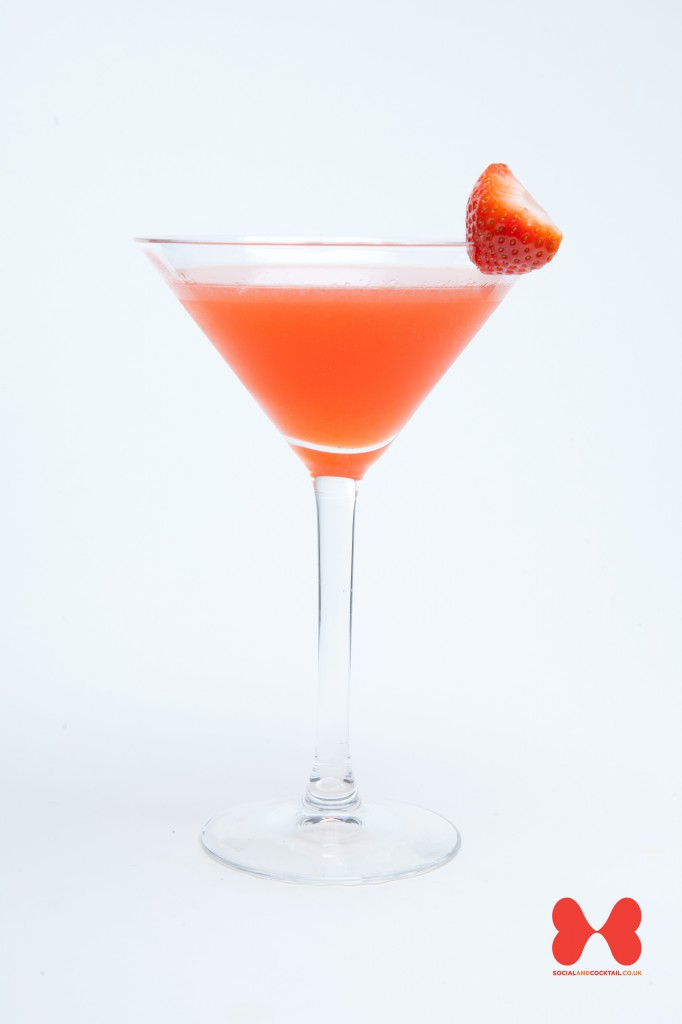 Strawberry Daiquiri Cocktail Recipes | Light Rum, Strawberry Liqueur ...