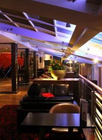 Henrys Café Bar